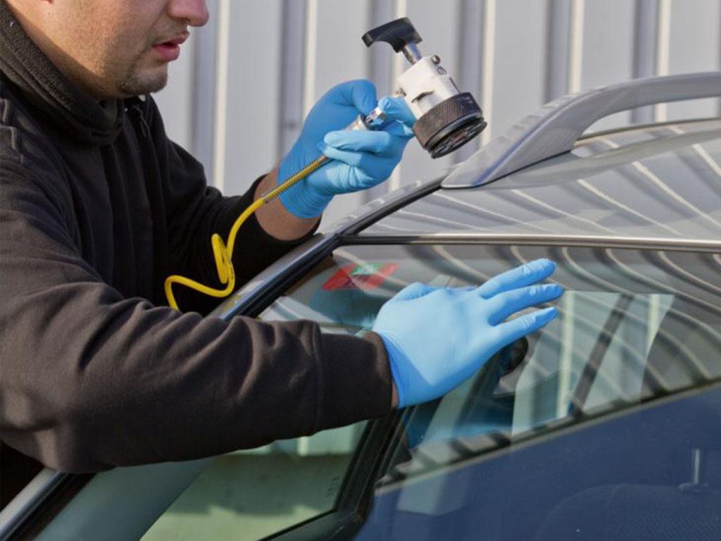 Работиме со сите осигурителни компании, доколку стаклата ви се веќе осигурани од ризик кршење стакло.